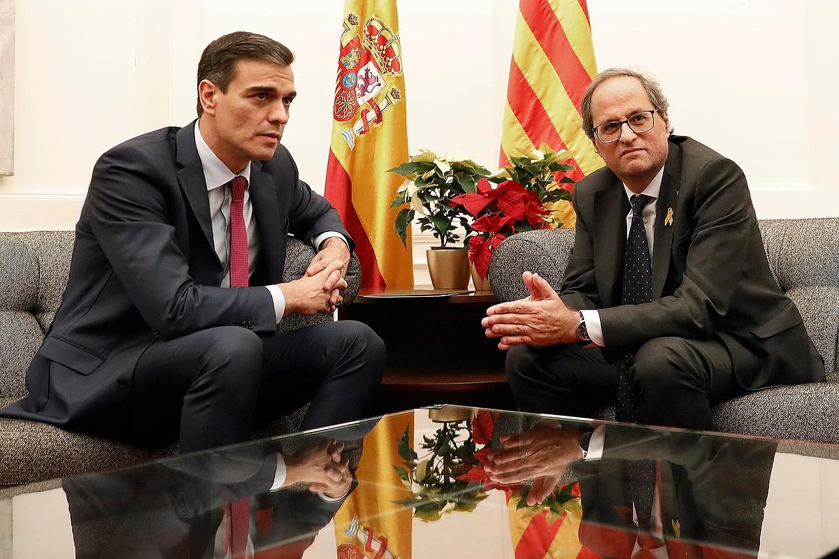 Pedro Sanchez Espainiako presidentea eta Quim Torra Kataluniakoa, atzo Bartzelonan. ©ANDREU DALMAU / EFE