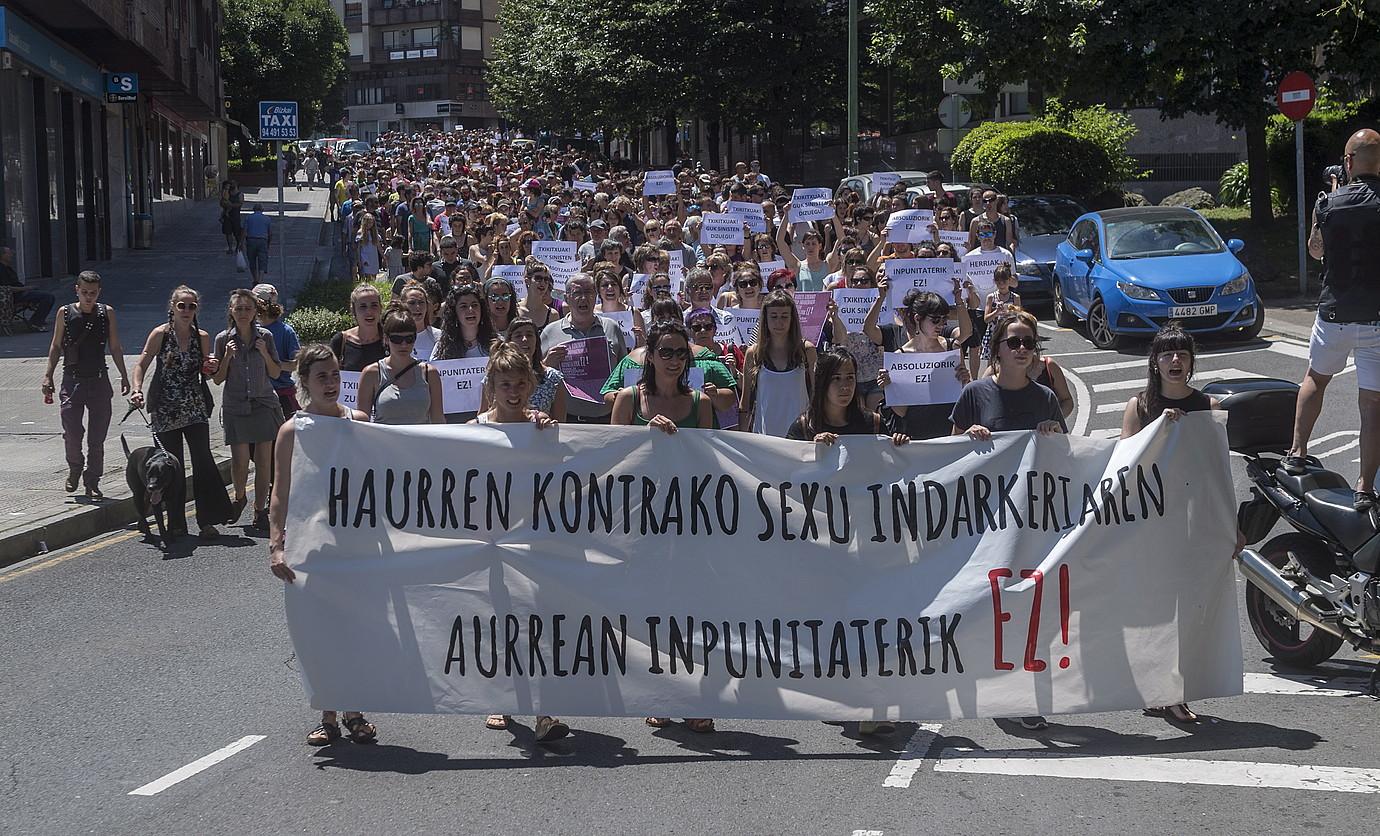 Adingabeen kontrako abusuak salatzeko ekainean Getxon egindako manifestazioa. ©JUANAN RUIZ / FOKU