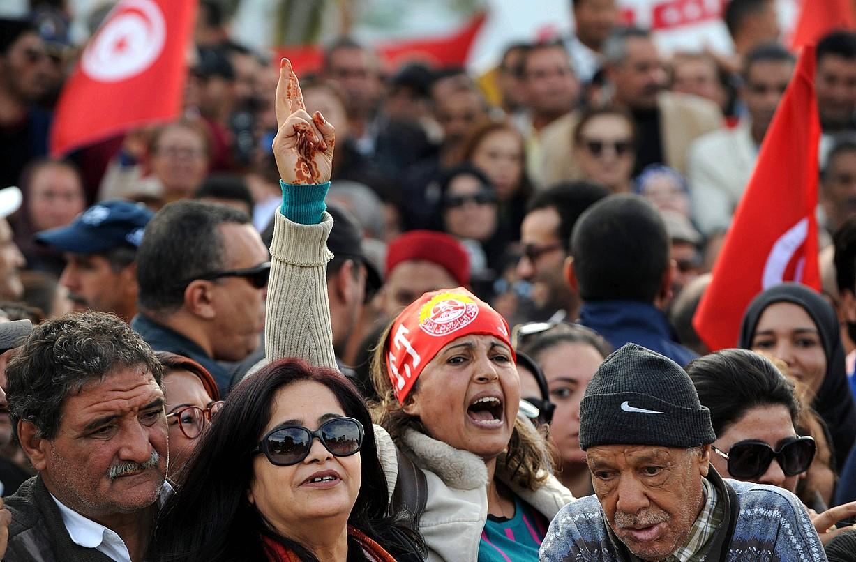 UGTT sindikatuaren jarraitzaileak joan den azaroaren 22ko greba orokorrean, Tunis hiriburuan. ©STR / EFE