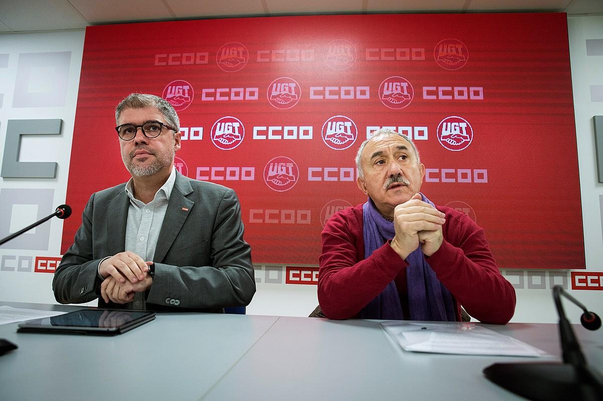Unai Sordo (CCOO) eta Pepe Alvarez (UGT), atzo, Madrilen.