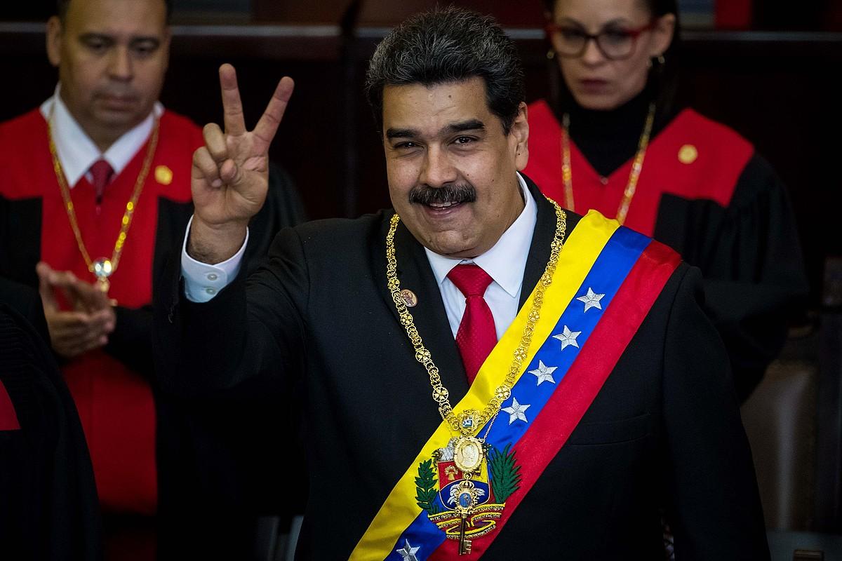 Nicolas Maduro Venezuelako presidente kargua hartu berritan, atzo, Auzitegi Gorenaren egoitzan, Caracasen. ©MIGUEL GUTIERREZ / EFE