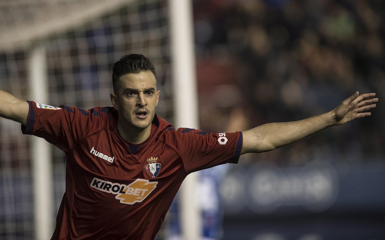 Juan Villar, Teneriferi Sadarren sartutako gola ospatzen. Bost daramatza etxeko partidetan. ©JAGOBA MANTEROLA / FOKU