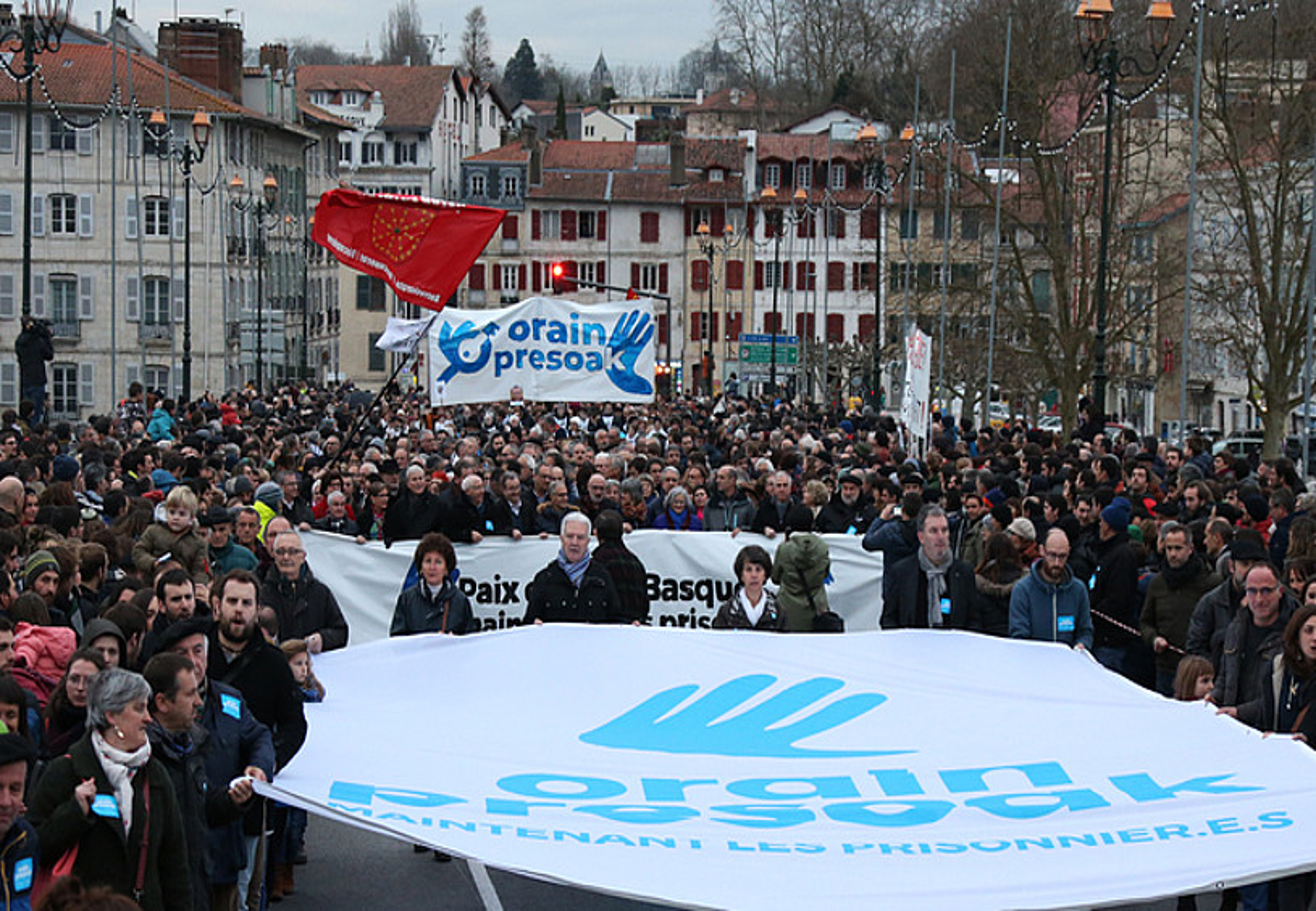 'Orain Presoak' lelopean atzo Baionan izandako manifestazioa. / BOB EDME
