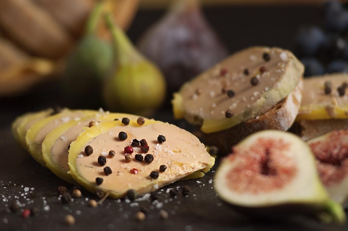 <b>Foie grasa. </b>Ospakizunetako ohiko platera da zenbait herrialdetan, Baita Euskal Herrian ere. &copy;EYHARTZEA