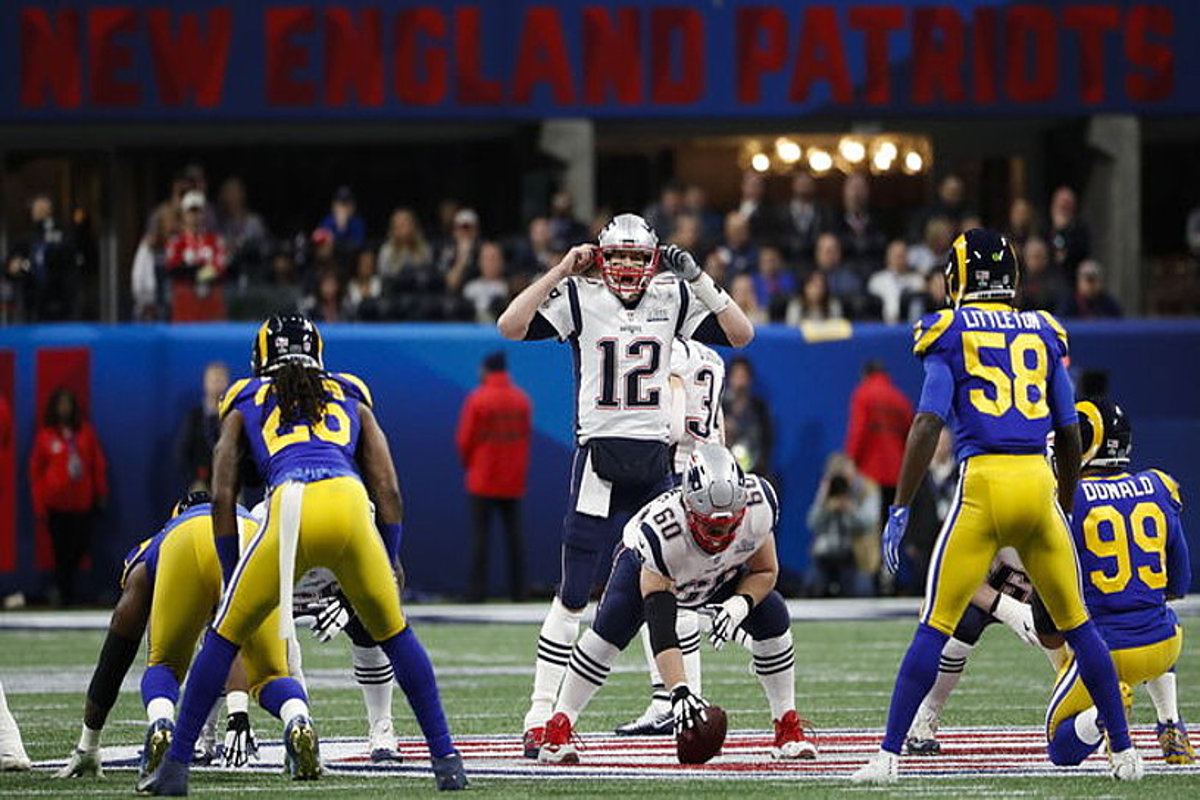 New England Patriotsek 13-3 irabazi zion Los Angeles Ramsi, 53. Super Bowlean.