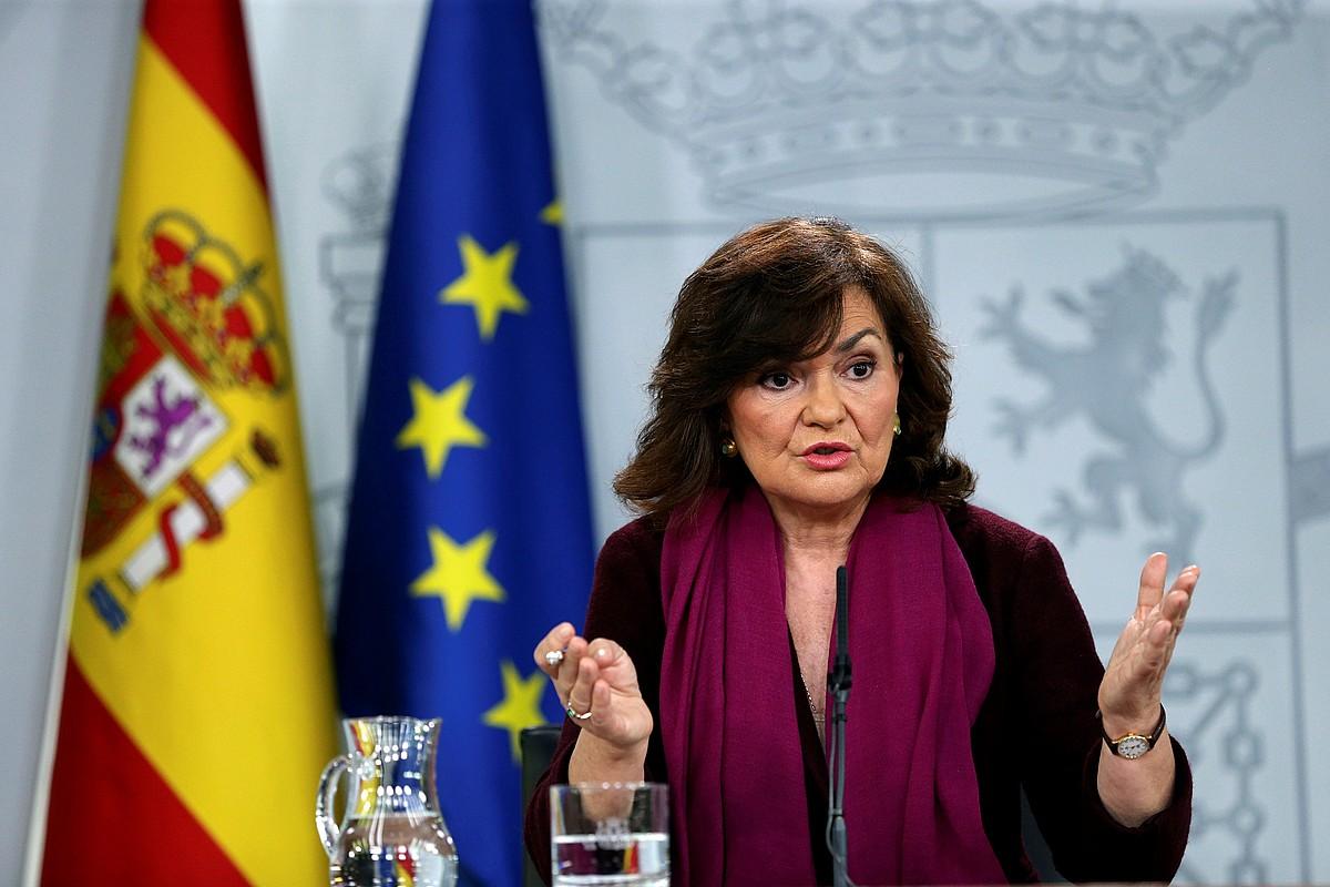 Carmen Calvo Espainiako Gobernuko presidenteordea azalpenak ematen, atzo. ©EMILIO NARANJO / EFE