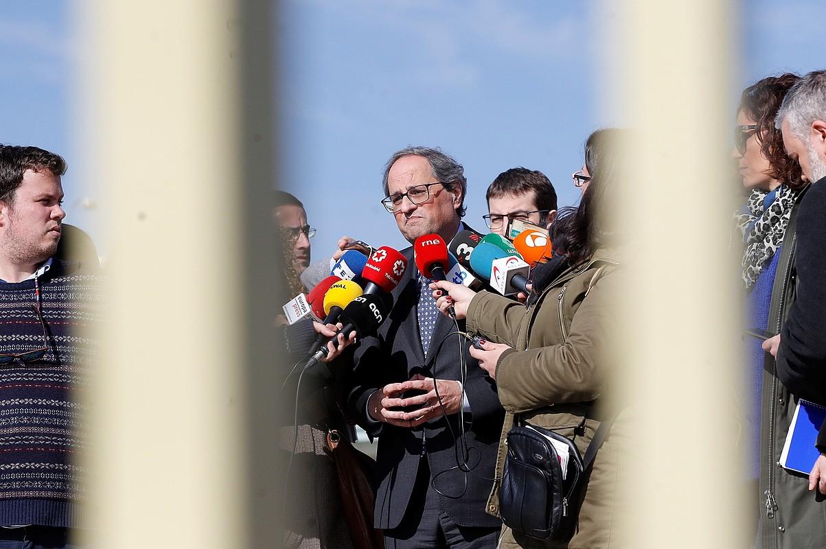 Quim Torra Generalitateko presidentea, atzo, kazetarien galderak erantzuten, Soto del Realen, Madrilen. ©JUAN CARLOS HIDALGO / EFE