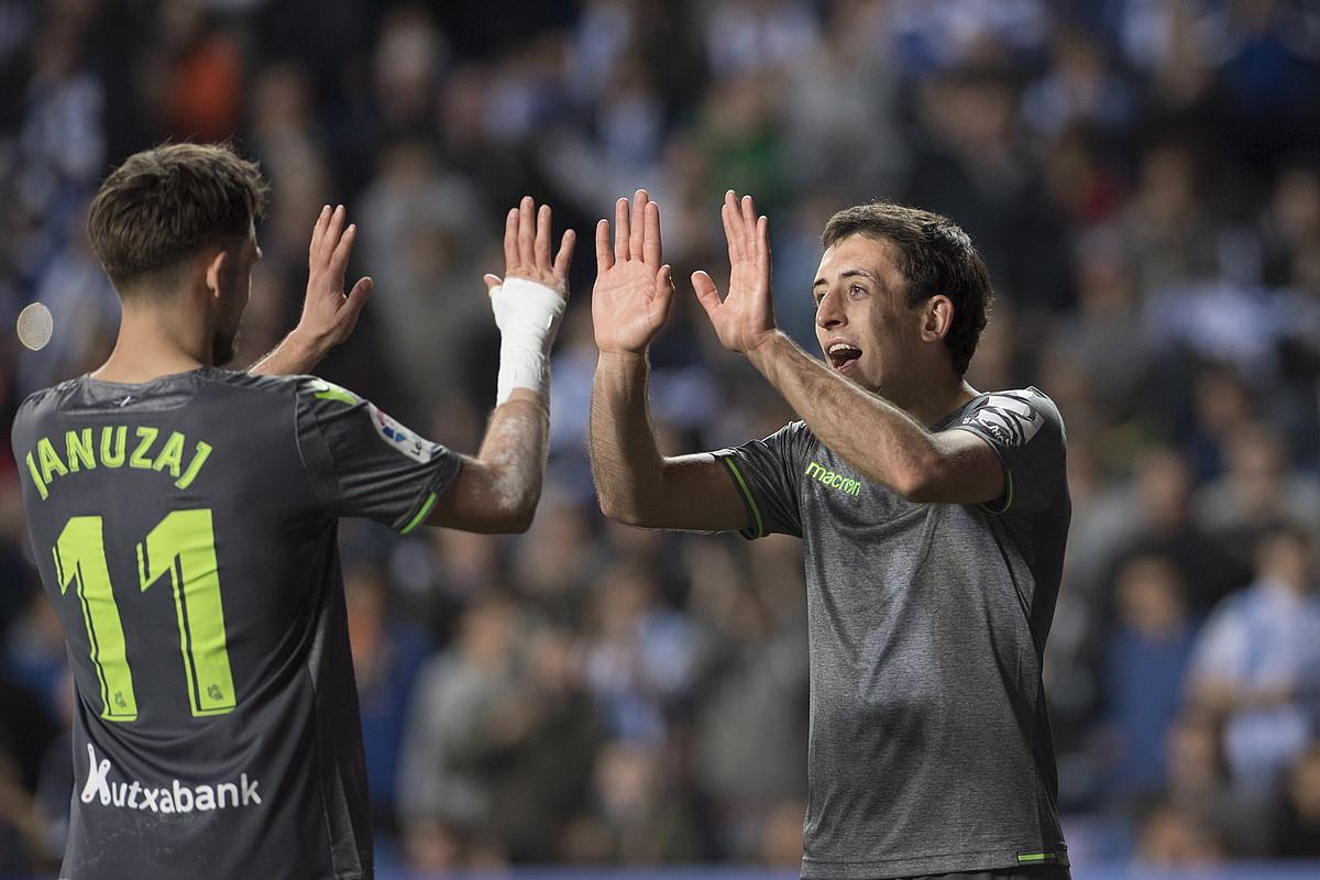 Januzaj eta Oiartzabal, Realak atzo Leganesi sartutako bigarren gola ospatzen. ©JUAN CARLOS RUIZ / FOKU