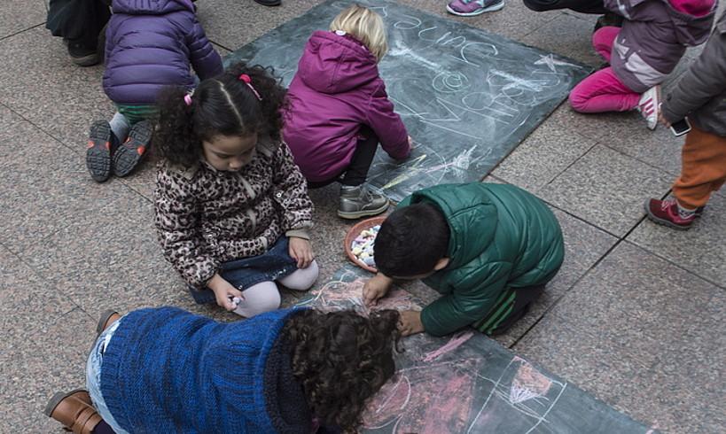 Iruñeko haur eskola bateko haurrak jolasean, artxiboko irudi batean. ©JAGOBA MANTEROLA / FOKU