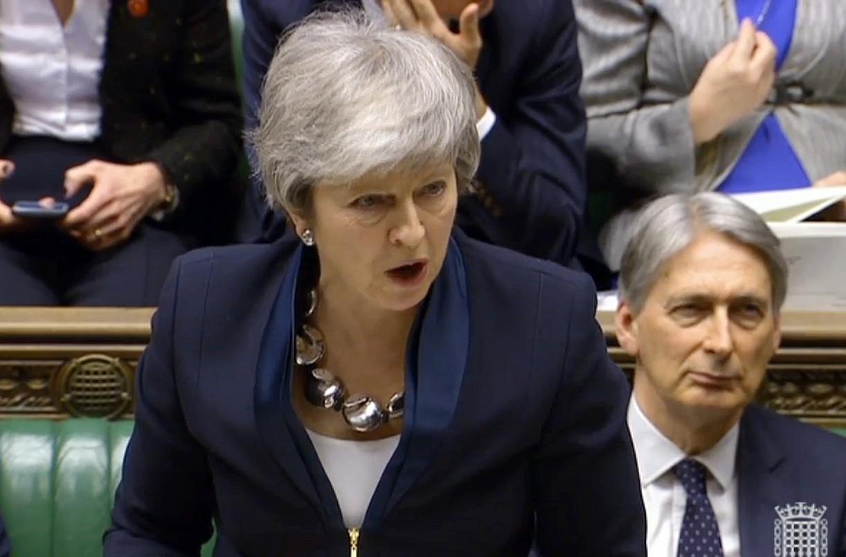 Theresa May lehen ministroa, atzo, Komunen Ganberan. ©EFE