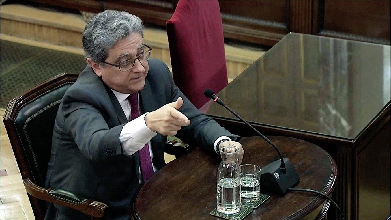 Enric Millo Espainiako Gobernuak Katalunian zuen ordezkaria, atzo, Espainiako Auzitegi Gorenean lekuko gisa deklaratzen. ©EFE