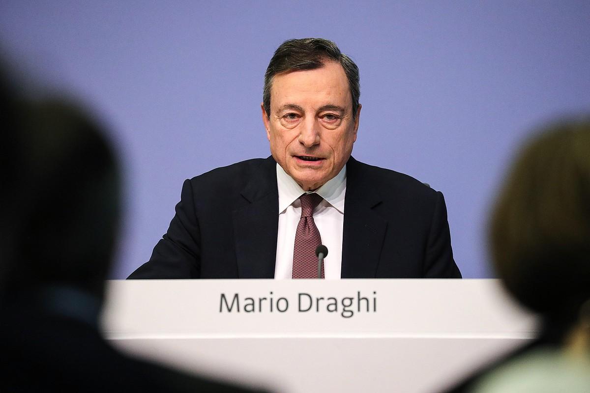 Mario Draghi Europako Banku Zentraleko presidentea, atzo, Frankfurten. ©ARMANDO BABANI / EFE