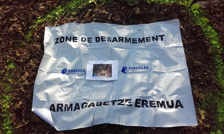 ETAren armagabetze egunean, 2017ko apirilaren 8an, Poliziak armak aurki zitzan markatutako eremua. ©BERRIA