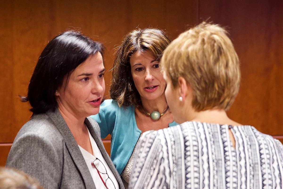 PPko, Elkarrekin Podemoseko eta EH Bilduko parlamentariak. ©DAVID AGUILAR / EFE