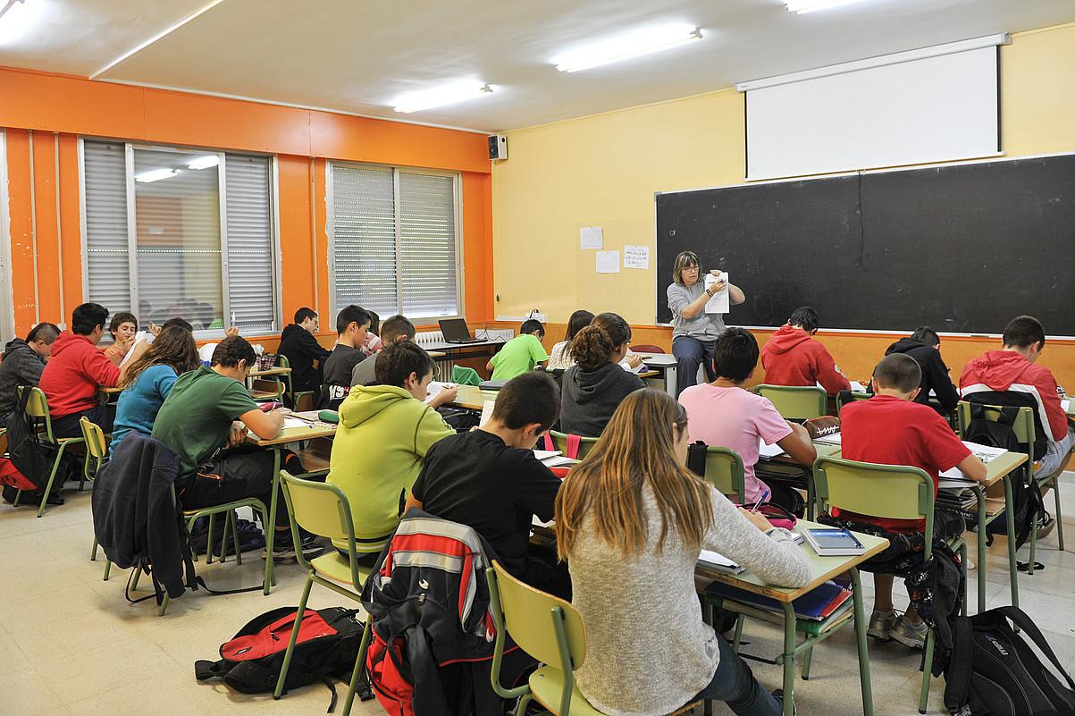Espainiako eta Frantziako gobernuen esku dago, gaur egun, Euskal Herriko ikastetxeetan lantzen den curriculuma zehaztea. ©IDOIA ZABALETA