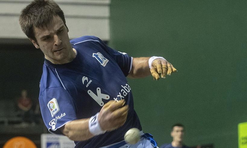Danel Elezkano, sakatzen, finalerdietako azken partidan. ©JON URBE / FOKU