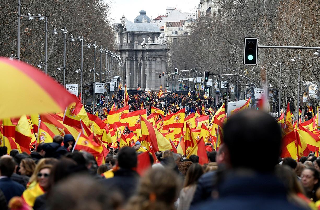 Joan den otsailaren 10ean PPk, Ciudadanosek eta Voxek Madrilen egindako manifestazioaren argazkia. / VICTOR LERENA / EFE