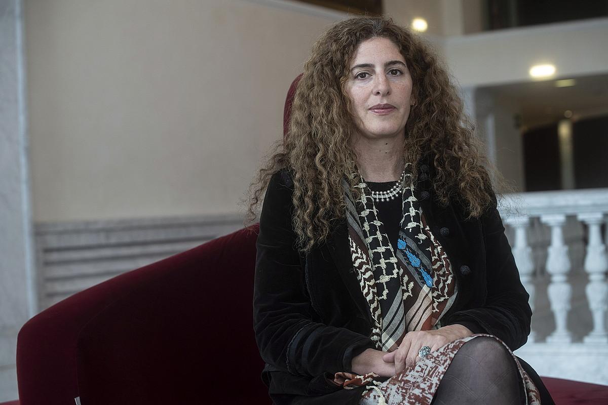 Annemarie Jacir zinemagile palestinarra, atzo, Donostian. ©JON URBE / FOKU