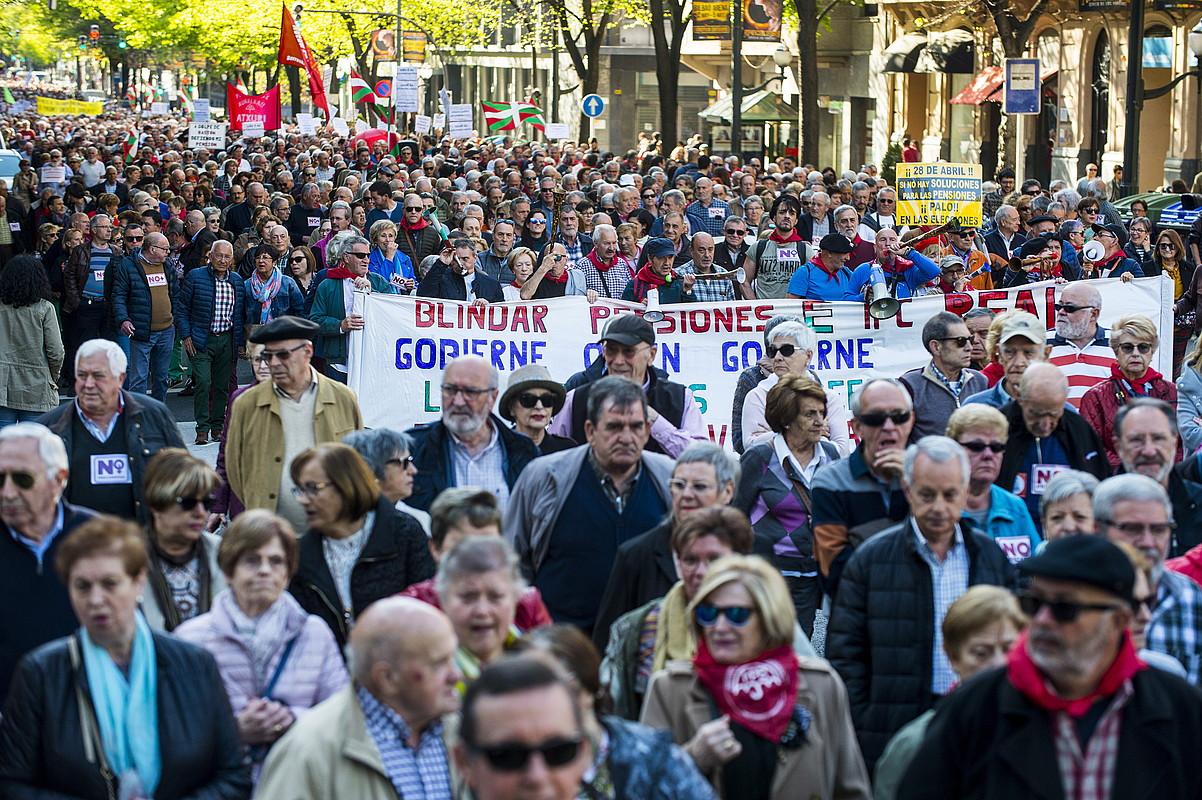 Pentsiodunen manifestazioa, atzo, Bilbon. ©MARISOL RAMIREZ / FOKU