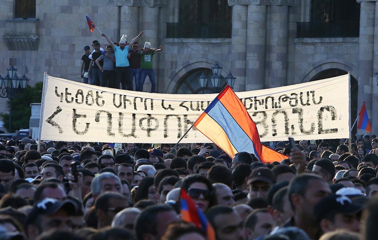 Alderdi Errepublikanoaren aurkako manifestazio bat, iazko apirilaren 25ean, Erevanen. ©HAYK BAGHDASARYAN / EFE