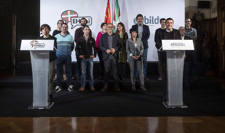 EH Bilduk eta EH Baik atzo Donostian egindako agerraldia. ©JON URBE / FOKU
