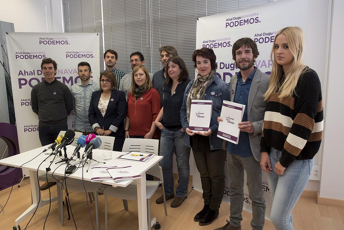Nafarroako Ahal Dugu-ko kideak, atzo, hauteskunde programaren aurkezpenean. ©IÑIGO URIZ / FOKU