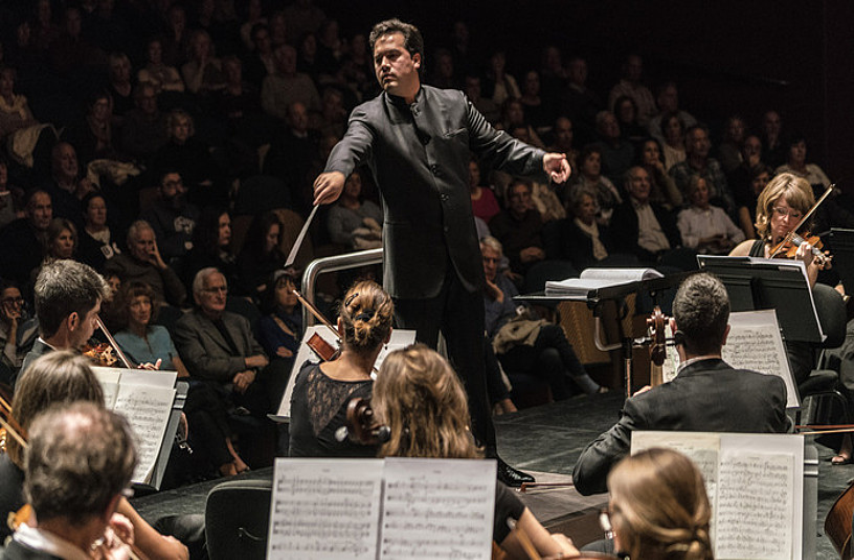 Robert Treviño Euskadiko Orkestra Sinfonikoko zuzendaria.