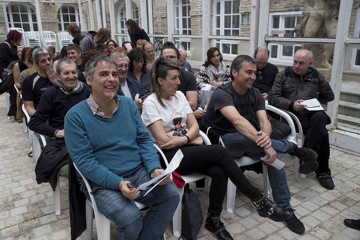 Kontseiluko kideak proposamena aurkezten, atzo. ©IÑIGO URIZ / FOKU