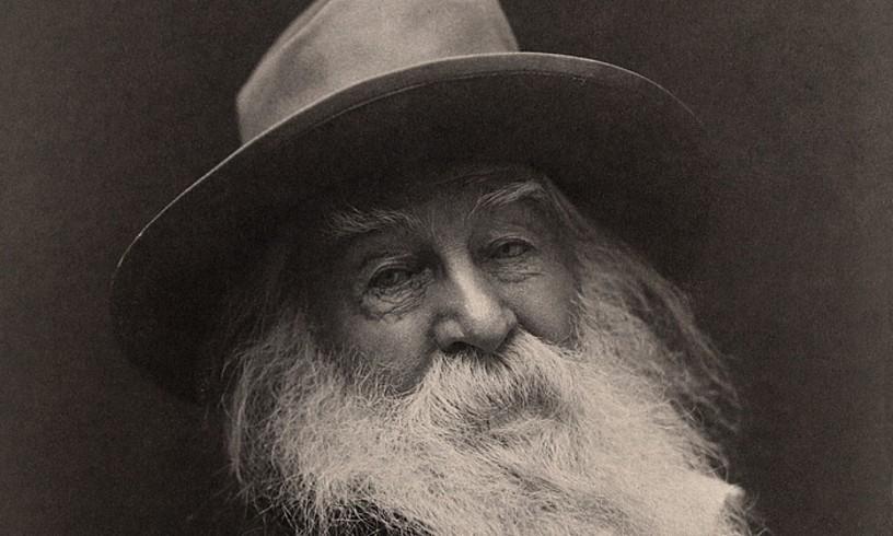 Walt Whitman poeta eta <em>Belar-hostoak</em> liburuaren egilea, artxiboko argazki batean. &copy;BERRIA