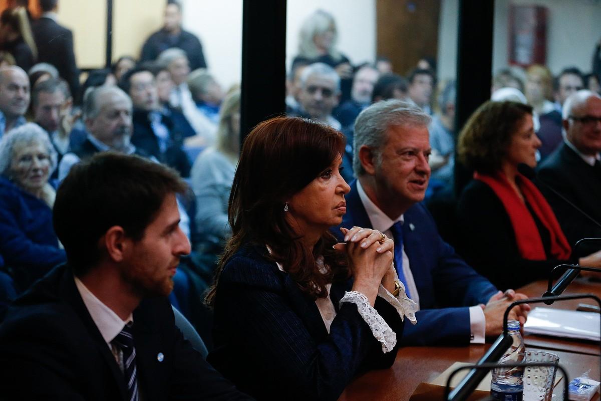 Cristina Fernandez Buenos Airesko 2. Ahozko Auzitegi Federalean, atzo.