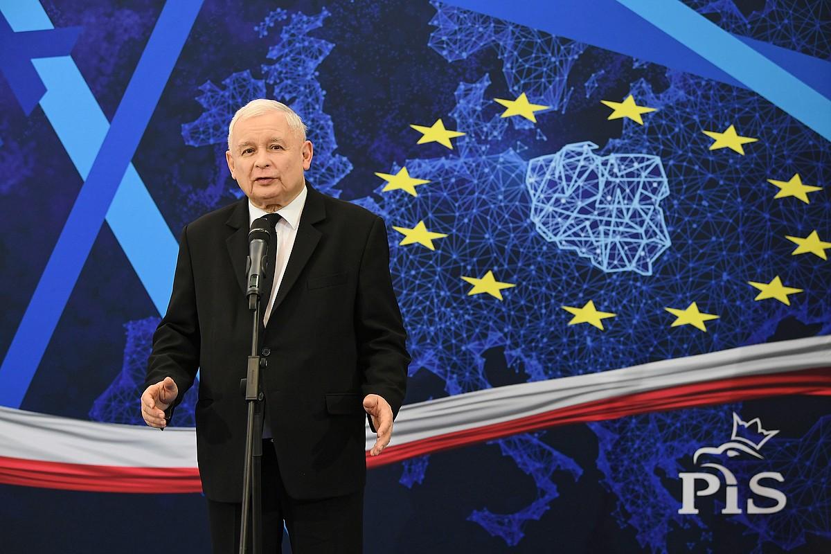 Jaroslaw Kaczynski lehen ministro eta PiS Legea eta Justizia alderdiko burua Gdansken, herenegun, Europako bozen kanpainako ekitaldi batean. / ADAM WARZAWA / EFE