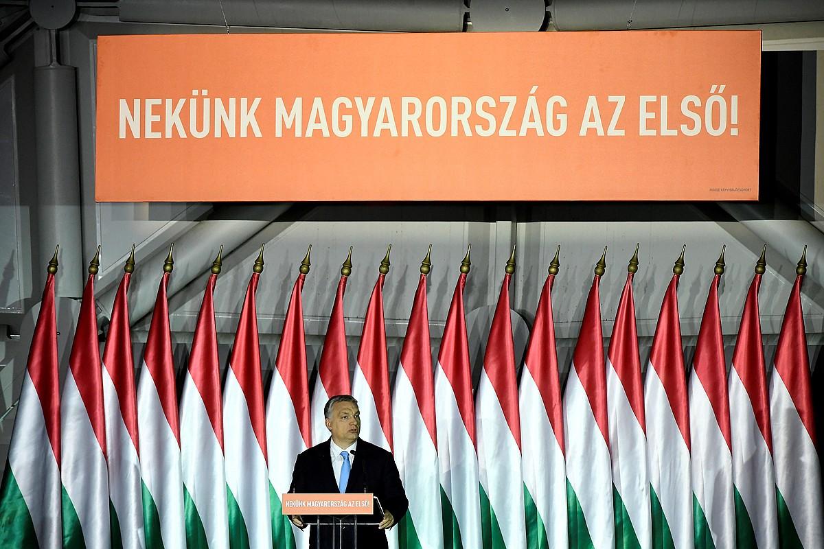 Viktor Orban lehen ministroa Europako hauteskundeetarako programa aurkezten, iragan apirilaren 5ean, Budapesten. / SZILLARD KOSZTICSAK / EFE