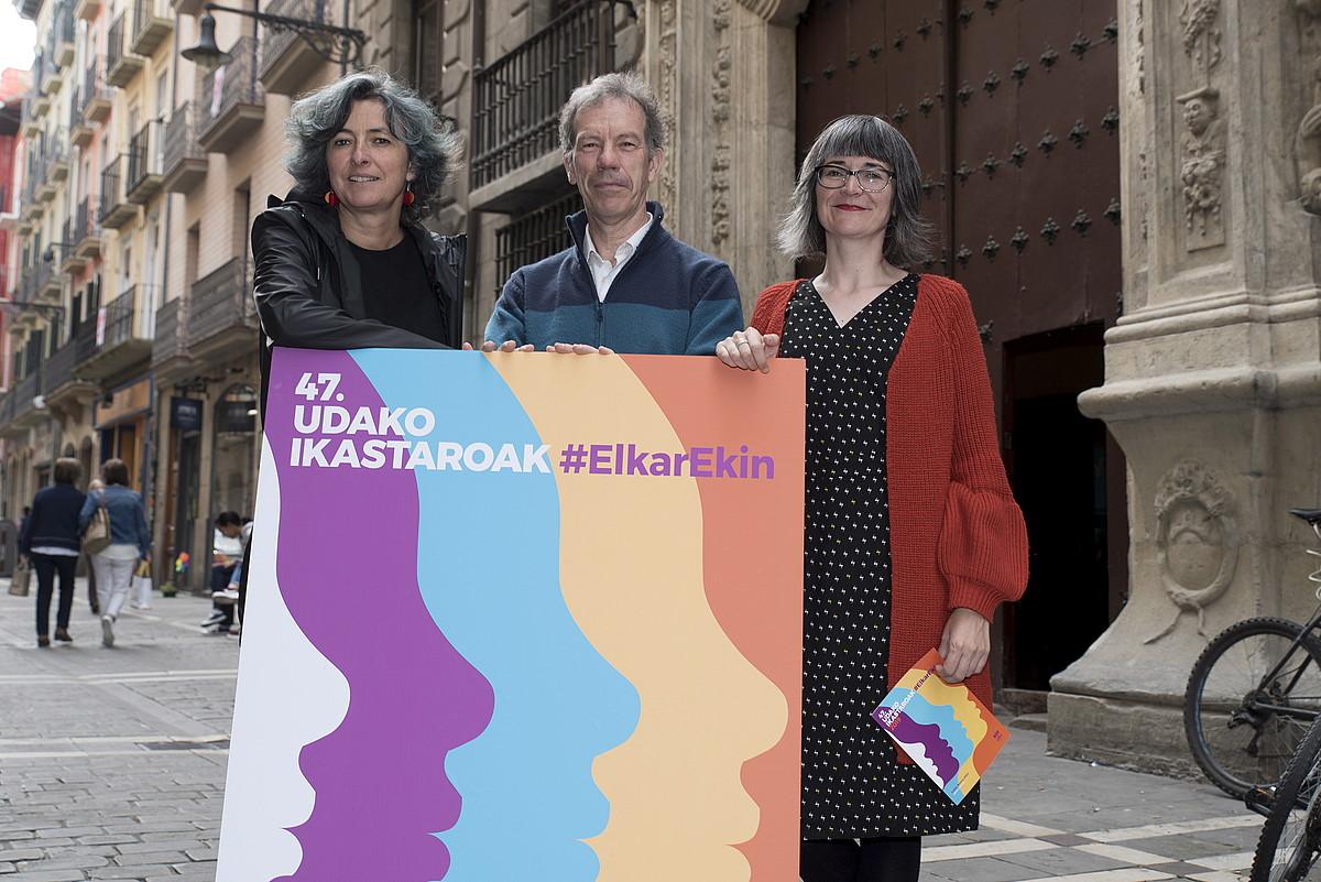 UEUko Kepa Sarasola, Irati Iciar eta Edurne Koch, atzo, Iruñean. ©IÑIGO URIZ / FOKU