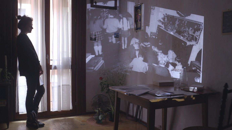 Maider Oleaga, <em>Muga deitzen da pausoa</em> filmeko fotograma batean. &copy;BERRIA