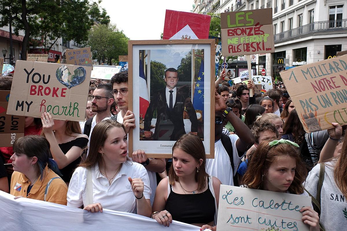 Parisen atzo gazteek eginiko manifestazioetako bat. ©CHRISTOPHE PETIT TESSON / EFE