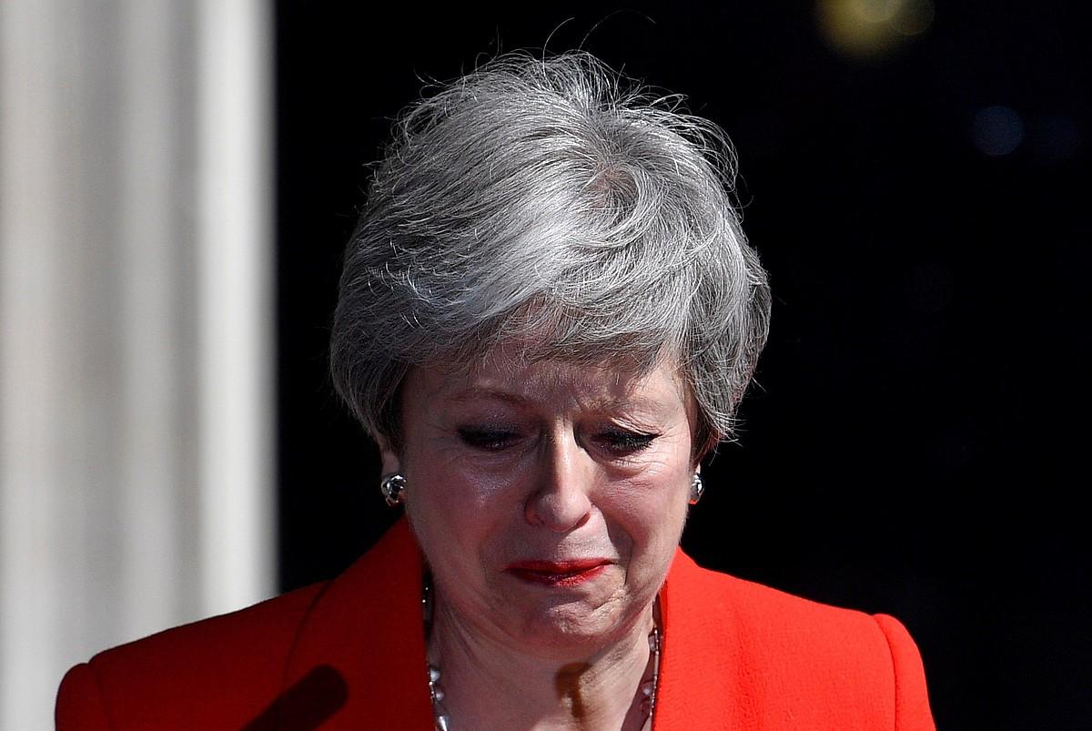 May negarrez, atzo, Downing Street-en.