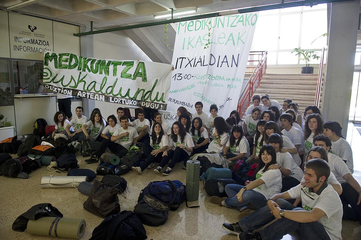 Medikuntzako ikasleen itxialdia, 2011n. ©LUIS JAUREGIALTZO / FOKU