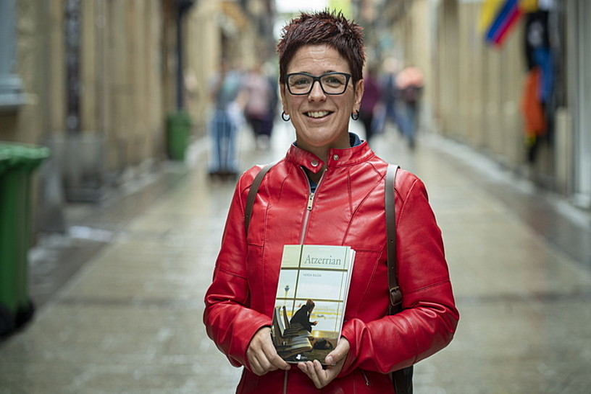 Nerea Balda, <em>Atzerrian</em> (Pamiela) estreinako eleberria aurkezten, Donostian. ©JON URBE / FOKU