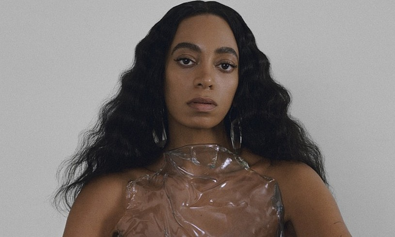 Solange Knowlesen laugarren diskoa da <em>When I Get Home</em>. ©MAX HIRSCHBERGER