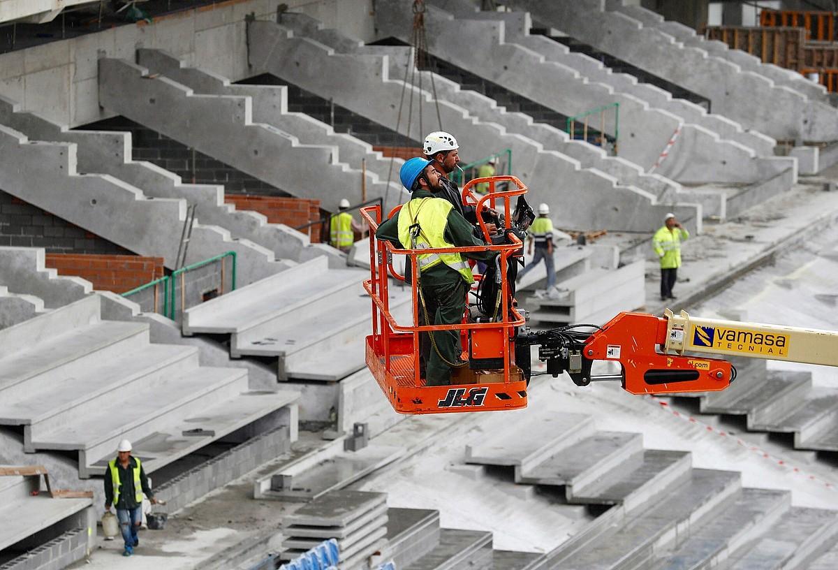 Anoeta estadioa moldatzeko lanak, iazko udan. ©JUAN HERRERO / FOKU