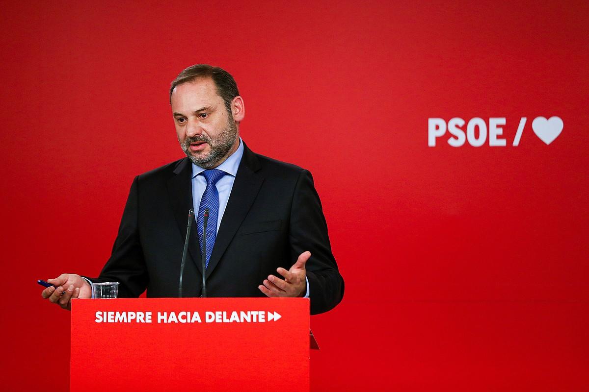 Jose Luis Abalos PSOEko Antolakuntza idazkaria, atzo, Madrilen, prentsaurreko batean. ©EMILIO NARANJO / EFE