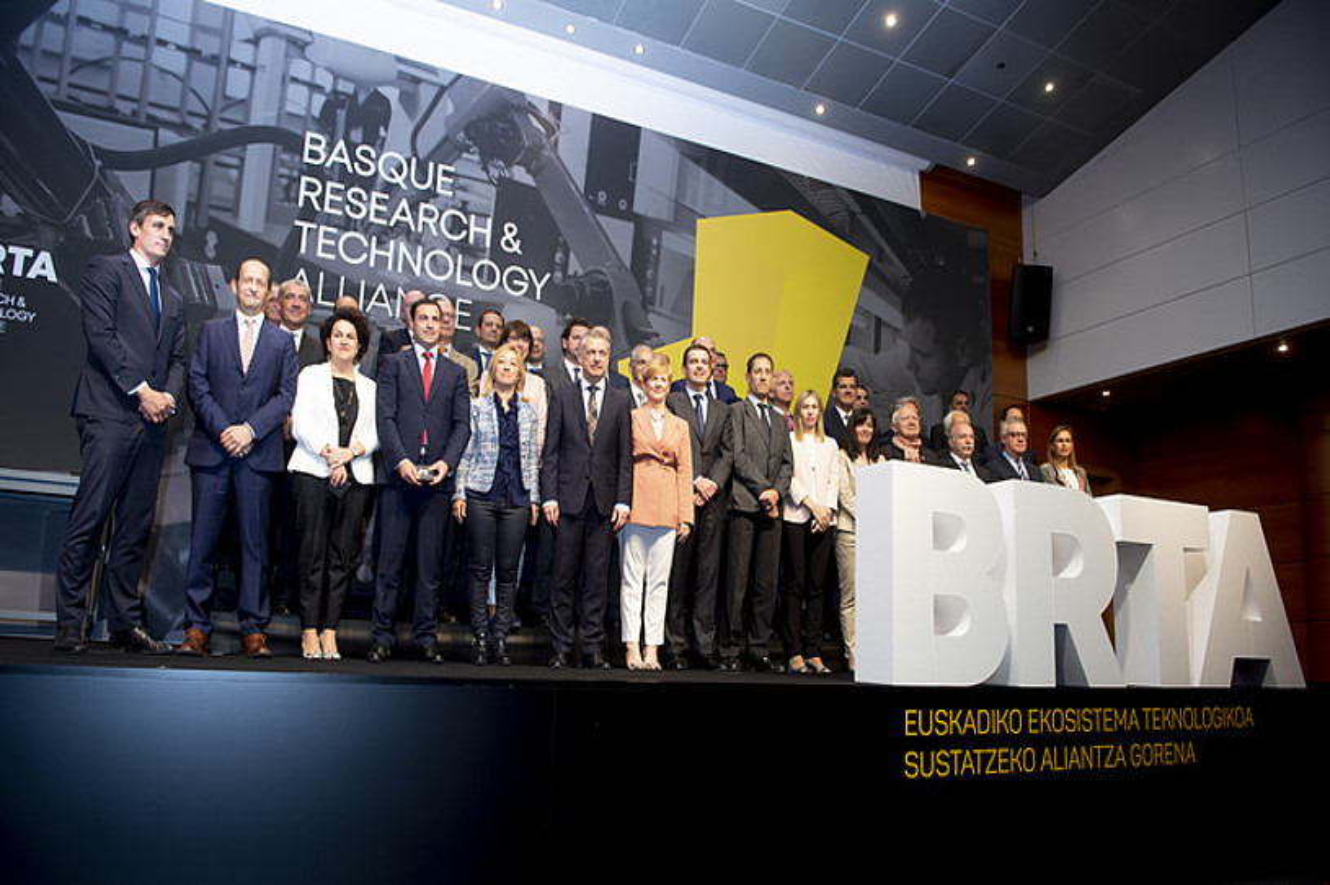 BRTA Basque Technology & Research Alliance partzuergoaren sorrerako irudia, atzo, Gasteizen. ©MIKEL ARRAZOLA / IREKIA