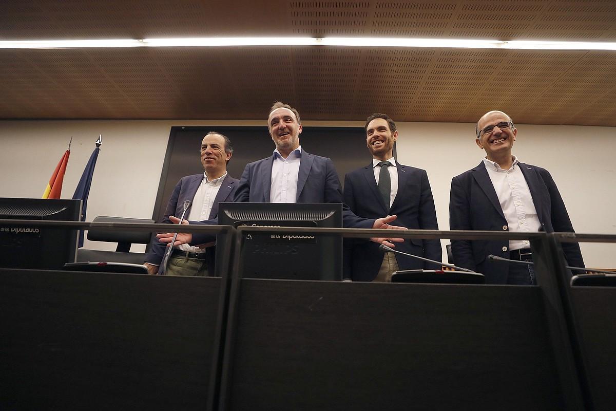 Adanero, Esparza, Sayas eta Catalan, atzo, Espainiako Kongresuan. ©J. LIZON / EFE