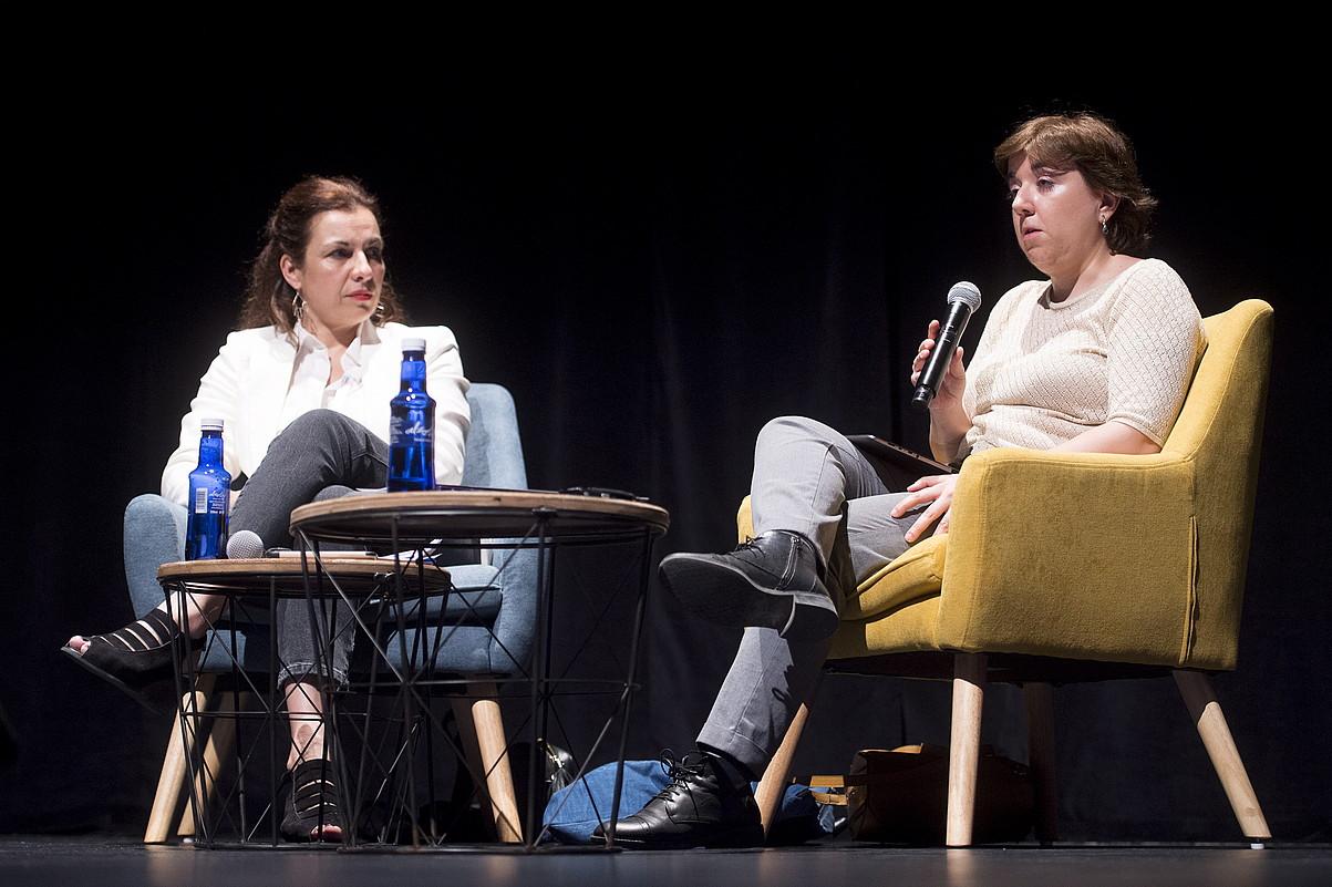 Sophie Valais eta Concepción Cascajosa, atzo, Iruñean, Coneta Fiction topaketan. ©IÑIGO URIZ / FOKU