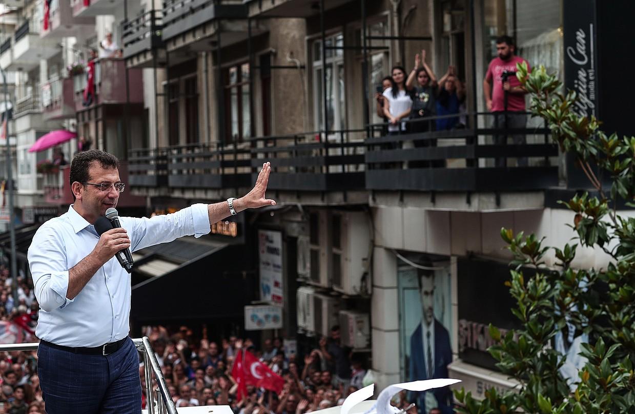 Ekrem Imamoglu CHPko hautagaia, asteazkenean, Istanbulen. ©SEDAT SUNA / EFE