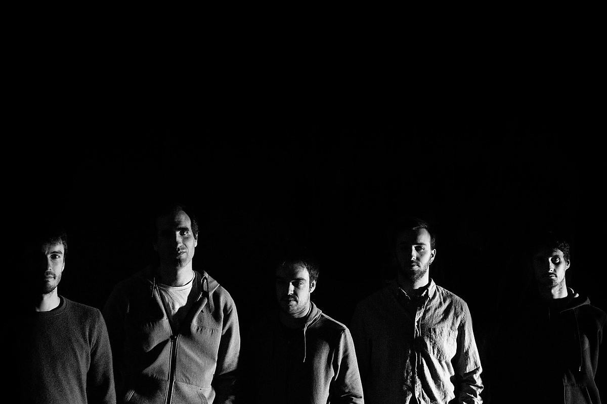 Alba taldeak garapen luzeko lau kantu instrumental bildu ditu <em>Anomia</em> bere lehen diskoan. ©MATIUZALEM