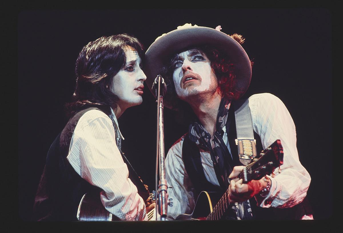 Joan Baez eta Bob Dylan, dokumentalaren fotograma batean. ©NETFLIX