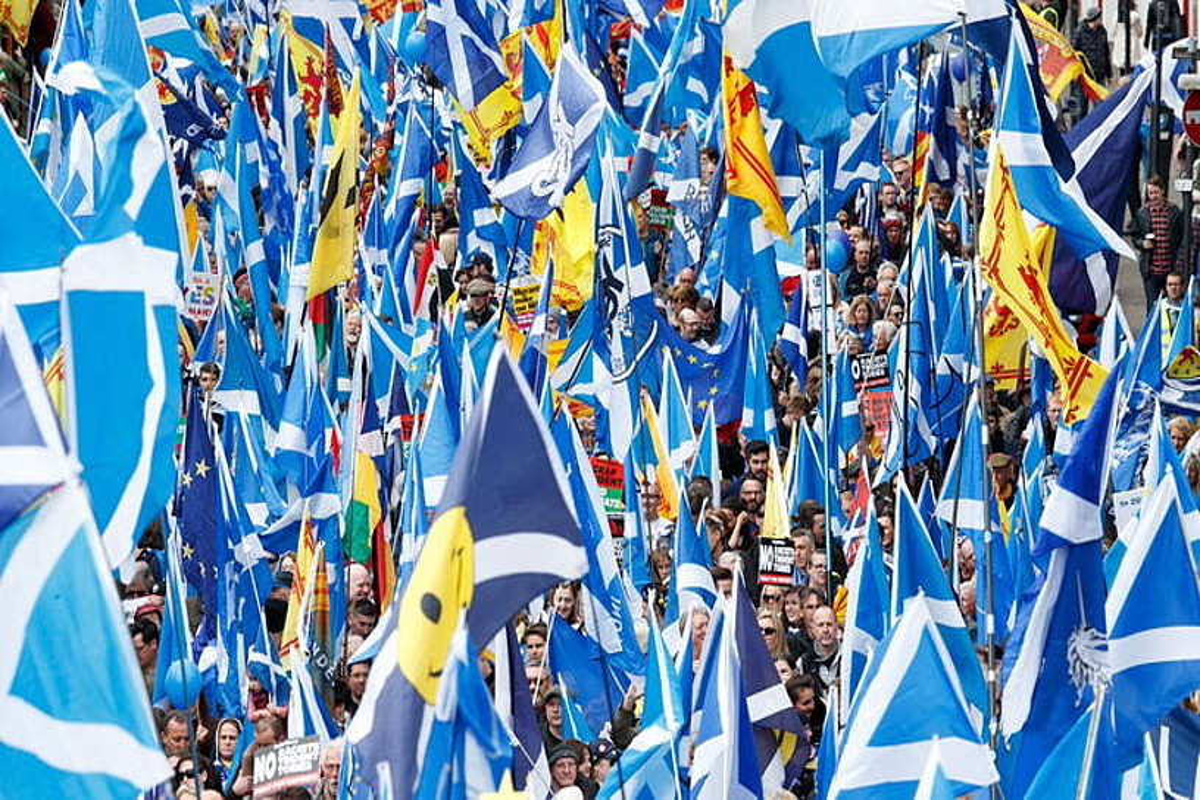 Joan den maiatzaren 3an beste independentzia erreferendum baten aldeko manifestazioa egin zuten Glasgown. ©EFE