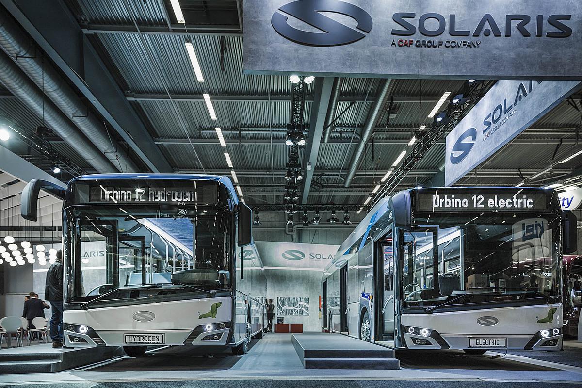 Solaris etxeko <em>Urbino</em> autobusak.