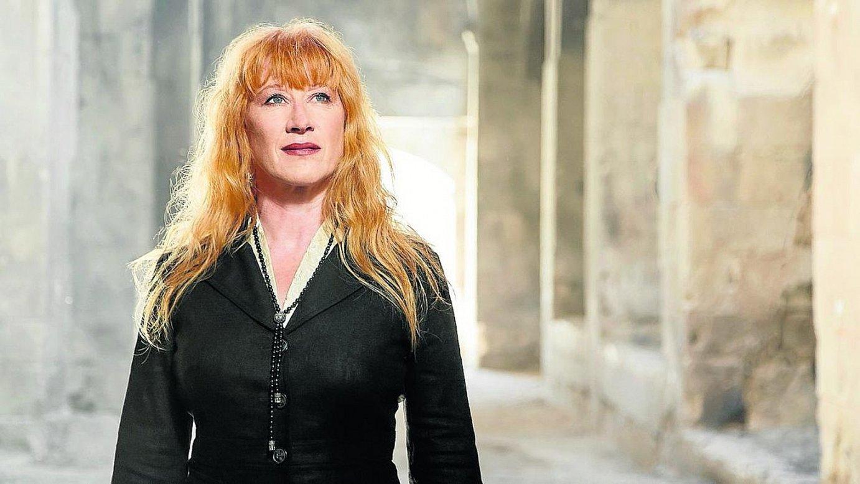 Loreena Mckennit abeslari kanadarrak emango du Kursaal Eszenaren denboraldi honetako azken kontzertua.